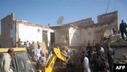 Ðống đổ nát sau vụ nổ bom ở Tikrit, ngày 19/10/2010