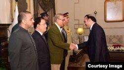 زردشت د پاکستان د صدر او نورو سره