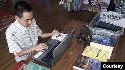 Andi Advan F Akbar, Mahasiswa Tunanetra Prodi Sastra Inggris, UT Gorontalo. (Foto courtesy: privat)