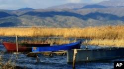 Рибарски чамци на Дојранското Езеро