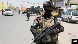 Bağdat'ta bir özel tim görevlisi