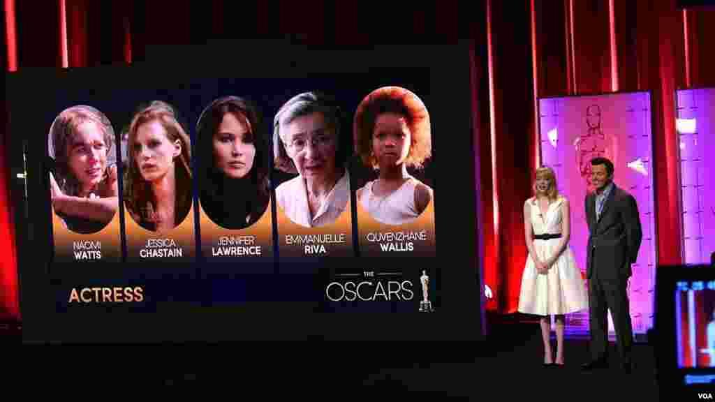 最佳女主角奖入围者(美国之音国符拍摄)