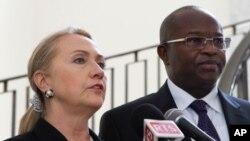 Ngoại trưởng Hoa Kỳ Hillary Clinton và Tổng thống Senegal Macky Sall tại Dakar, ngày 1/8/2012