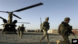 هێزێـکی هابهشی ناتۆ و ئهفغانی له میانهی ههڵمهتێـکدا له ناوچهی ژهری ههرێمی قهندههار، 11ی نۆی 2010