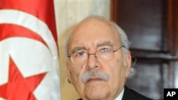 Tunisian speaker of the lower house of parliament, Fouad Mebazaa, takes an oath as interim President of Tunisia, in Tunis, 15 Jan 2011