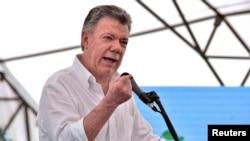 El presidente de Colombia, Juan Manuel Santos, dio instrucciones al jefe del equipo negociador para que viaje a Quito y reactive la mesa de diálogo.