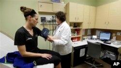 Biaya pengobatan hampir semua pasien seharusnya ditanggung oleh Medicaid, tapi klinik-klinik gratis tetap jadi pilihan bagi banyak warga AS (foto: ilustrasi).