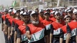 هزاران نفر از طرفداران مقتدی صدر به خیابان های بغداد ریختند و خواستار آن شدند که سربازان آمریکایی تا پایان سال جاری ميلادی خاک عراق را ترک گويند.