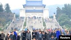 2014年2月12日,台灣陸委會主任委員王郁琦和台灣代表團其他成員訪問中山陵之後離開。