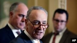 Senatda demokrat azlığın lideri, Nyu York senatoru Çak Şumer