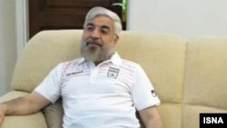 حسن روحانی در حال تماشای مسابقه فوتبال ایران و نیجریه - دوشنبه ۲۶ خرداد ۱۳۹۳