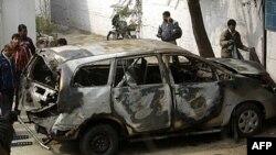 Yeni Delhi'de saldırıya hedef olan İsrail Büyükelçiliği'ne ait diplomatik araç