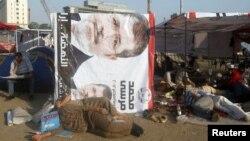 埃及總統參選人穆爾西在位於開羅解放廣場的海報。