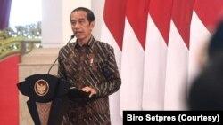 Presiden Jokowi di Istana Negara, Jakarta, Rabu (17/3) mengklaim program kartu prakerja telah meningkatkan skill para pekerja (biro Setpres).