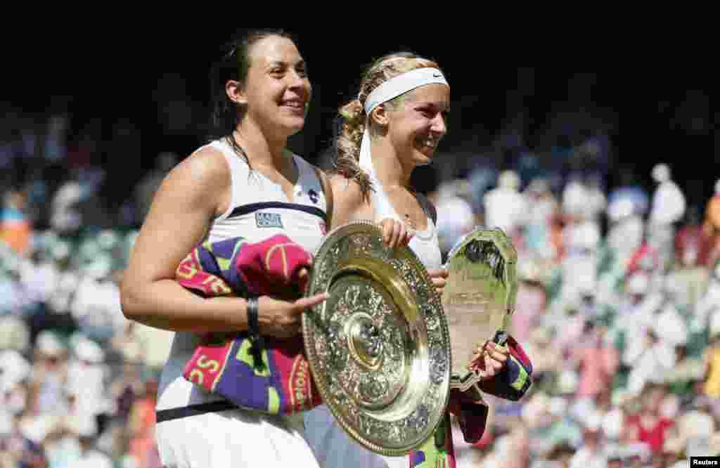 ومبلڈن کے خواتین سنگلز فائنل میں فرانس ماریون برٹولی نے جرمنی کی سابین لیزسکی کو شکست دے کر پہلی مرتبہ یہ گرینڈ سلیم ٹائٹل جیتا۔