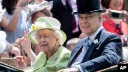 آرشیو - ملکه الیزابت و پرنس اندرو، ۲۲ ژوئن ۲۰۱۹