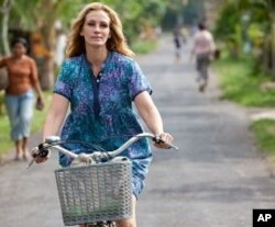 "Julia Roberts as ""Elizabeth Gilbert"" in Columbia Pictures' EAT, PRAY, LOVE"