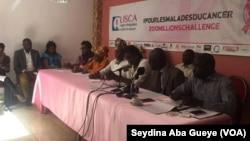 Réunion de la ligue sénégalaise contre le cancer, à Dakar, au Sénégal, le 21 mars 2017. (VOA/Seydina Aba Gueye)