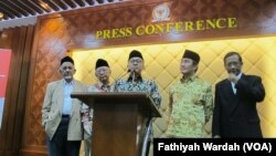 Beberapa tokoh bangsa yang hadir dalam dialog bertema Refleksi Kebangsaan di Gedung DPR/MPR, Senayan, Jakarta (foto: VOA/Fathiyah Wardah)