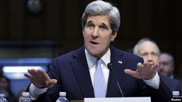 Senator John Kerry memberikan kesaksian di depan Sidang Pengukuhan sebagai Menlu AS di Senat AS, Kamis (24/1).
