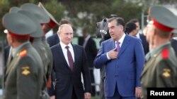 Emomali Rahmonning aytishicha, rus bazasi ijarasi uzaytiriladi. Rossiya qo'shinlari Dushanbe, Qo'rg'ontepa va Ko'lob shaharlarida joylashgan, soni olti mingdan oshadi.