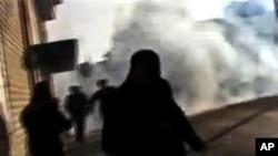 從提供的業餘圖片顯示﹐敘利亞政府鎮壓活動持續不斷。