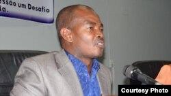 Angola, Angelo Kapwatcha, Professor Universitário e activista dos direitos humanos