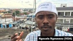 Trésor Nzila Kendet, le directeur exécutif de l'OCDH, appelle à la libération de tous les acteurs politiques, à Brazzaville, le 5 décembre 2017. (VOA/Ngouela Ngoussou)