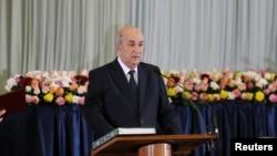 Le président algérien Abdelmadjid Tebboune prête serment lors d'une cérémonie d'assermentation à Alger, en Algérie, décembre 2019. REUTERS / Ramzi Boudina