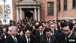 1600名香港法律界人士參與黑衣靜默遊行 (美國之音 湯惠芸攝)