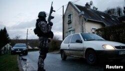 Pripadnik francuskih specijalnih policijskih snaga