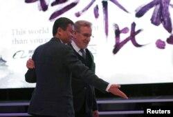 中国阿里巴巴收购股权进入好莱坞