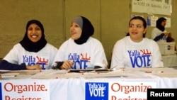 Warga AS keturunan Arab yang berkampanye supaya orang-orang memberikan suaranya dalam pemilu. (Foto: Ilustrasi)