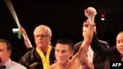 """Ðạt """"Be Ðạt"""" Nguyễn trong trận thắng võ sĩ Colombia Andres Ledesma tại Houston Arena Theatre, bang Texas, ngày 10 tháng 10, 2009 (ảnh tư liệu)"""