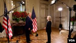 """Greta Van Susteren y el presidente Trump también conversaron sobre la reunión bilateral con China:"""" Lo que mucha gente no sabe, pero somos una economía mucho más grande y, en realidad, mucho más poderosa que China"""" [Foto: Brian Allen, VOA]."""
