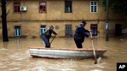 Poplavljene ulice u Obrenovcu