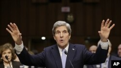 Senator Džon Keri tokom jučerašnjeg pretresa u okviru njegove nominacije za položaj državnog sekretara SAD