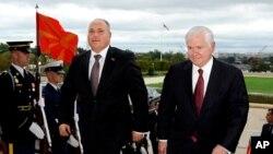 Коњановски побарал поддршка од Гејтс за НАТО