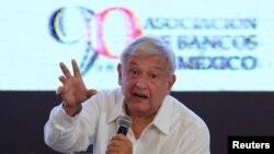 Le leader de gauche, Andres Manuel Lopez Obrador, favori des sondages a été la cible des autres candidats lors de ce premier débat, le 9 mars 2018.