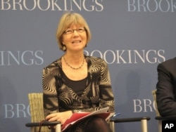 全球发展中心的主席南希.伯索尔