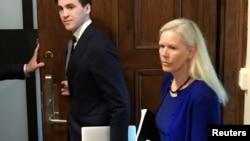 资料照:前瑞典驻华大使林戴安抵达斯德哥尔摩的地区法庭出庭受审。(2020年6月5日)