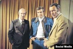 ریچارد اندرسون (راست) در کنار لی میجر، بازیگر نقش اصلی مجموعه مرد شش میلیون دلاری