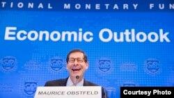 Maurice Obstfeld, director de investigación del FMI, anunció mejores perspectivas del crecimiento económico mundial para 2017, pero advirtió sobre niveles de deuda.