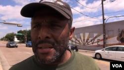 Byron Evans iz Južnog Dallasa: ubojstva koja su počinili i policajci i Afro-Amerikanci su nepravedna. (M. O'Sullivan/VOA)