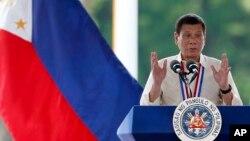 Le président philippin Rodrigo Duterte donne un discours lors d'une cérémonie, à Manille, le 29 août 2016.