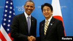 주요 20개국 정상회의 참석 차 러시아를 방문 중인 바락 오바마 미국 대통령(왼쪽)과 아베 신조 일본 총리가 5일 양자회담을 가졌다.