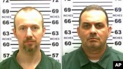 紐約州警方公佈的逃犯照片-- 大衛.斯威特(左) 理查德.麥特(右)