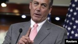 John Boehner, presidente de la Cámara de Representantes de EE.UU. criticó que otros legisladores señalaran a la vicejefa de gabinete de Clinton.