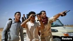 Des combattants libyens près de Sirte, Libye, mars 2015.