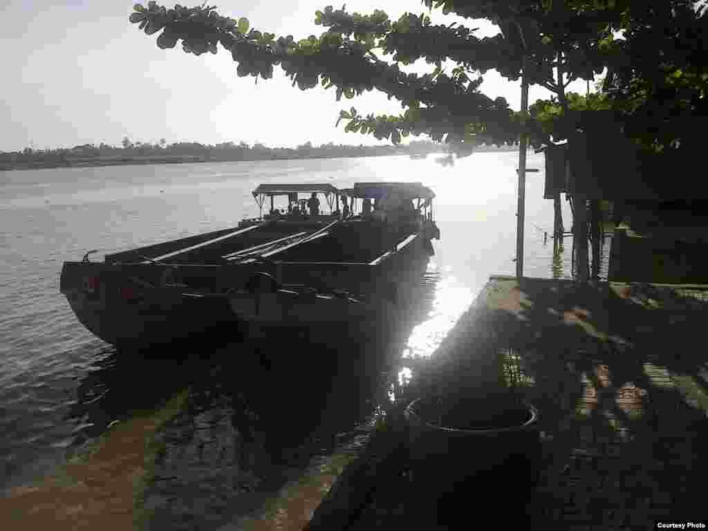 Đời sống trên sông ở Đồng bằng sông Cửu Long (Ảnh: Nguyễn Văn Hai)